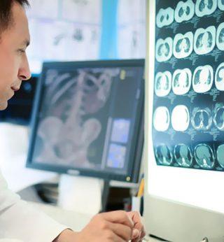 http://www.radiologiamemeo.it/wp-content/uploads/2015/11/radiologia-320x346.jpg