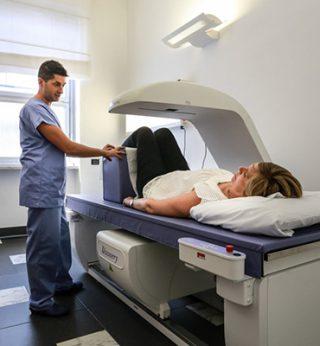 http://www.radiologiamemeo.it/wp-content/uploads/2015/11/risonanza-magnetica-320x346.jpg